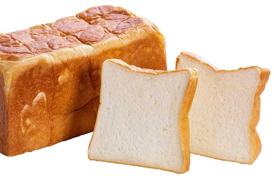 南米で採掘されたピンク色の岩塩や、北海道のハチミツ、国産バター、砂糖を使用し、優しい甘さを目指したプレーン