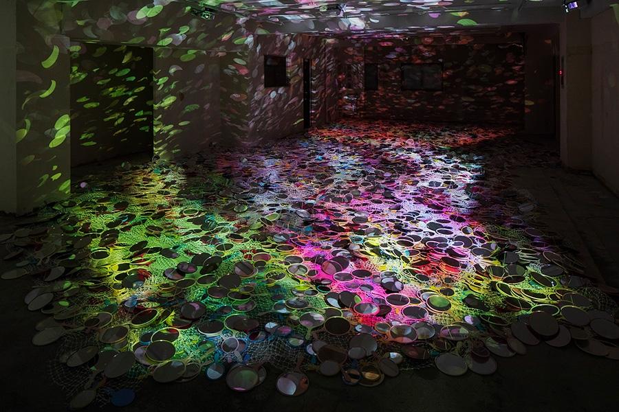 鬼頭健吾《ghost flowers》「アートプロジェクト高崎」2018年 撮影:木暮伸也