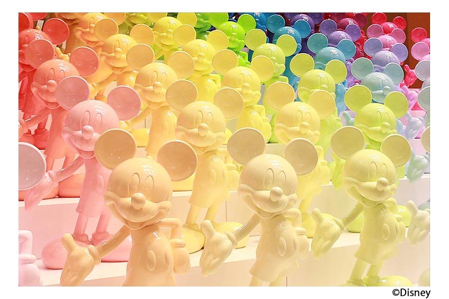 90色・90体のミッキーマウス像が展示