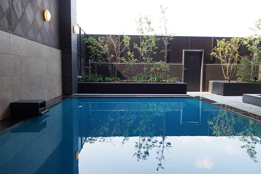 月替わりの湯。8月は秋田県の「乳頭の湯」の成分を楽しめる