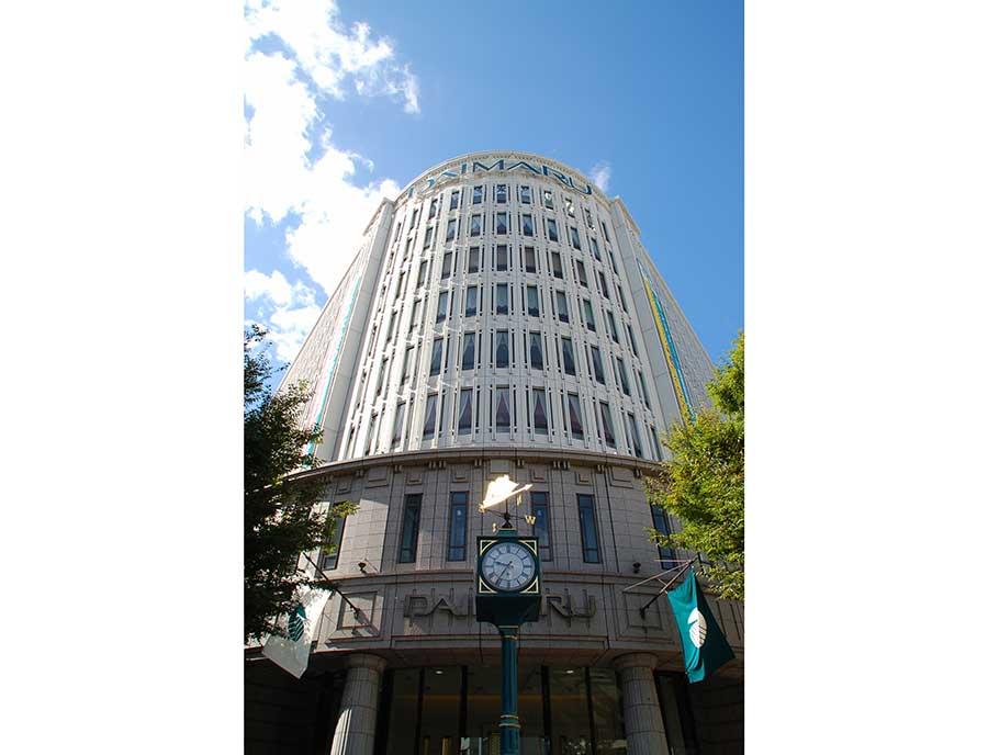 8月15日に臨時休業を発表した大丸神戸店(写真)
