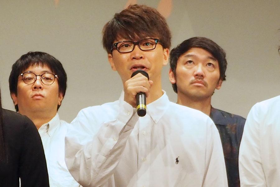 『ギョエー!旧校舎の77不思議』に出演する亀島一徳