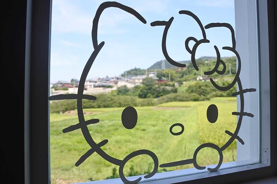 窓からは畑の景色が楽しめる