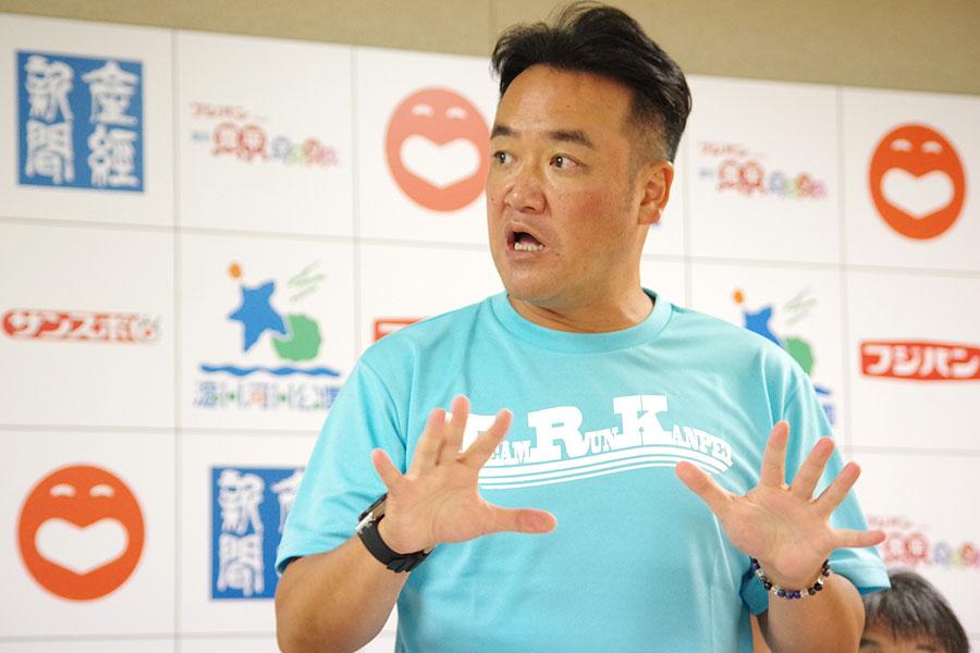 ミュージシャンとの親交も深く、『淀川 寛平マラソン』へのブッキングを担当するたむらけんじ(8月26日・吉本興業)