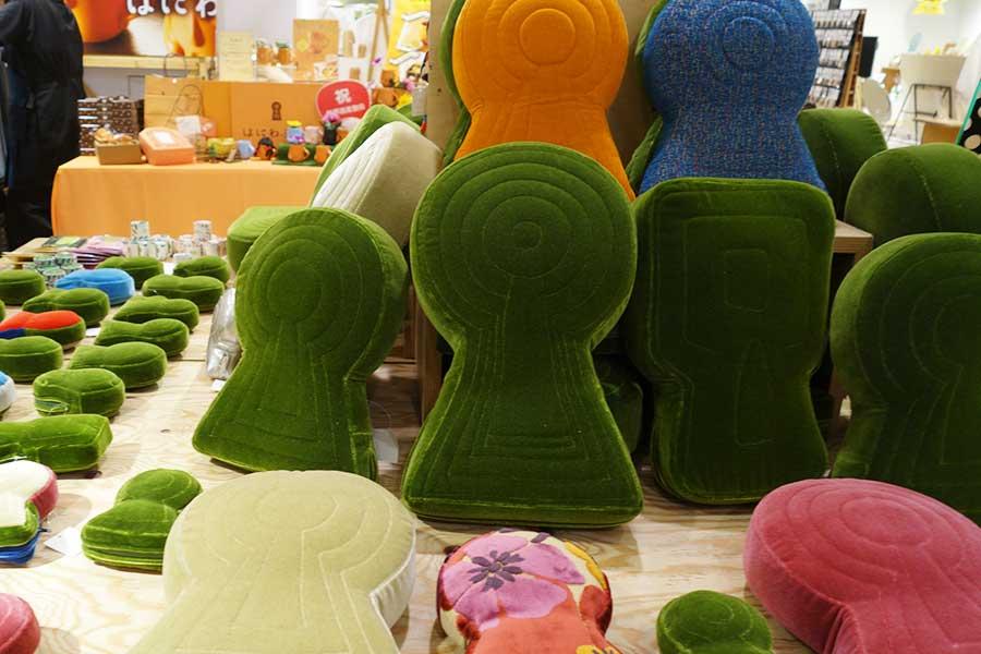 奈良の椅子張り工房「宇宙椅子」による古墳クッション。こちらが、SNSで人気が出るきっかけとなったそう