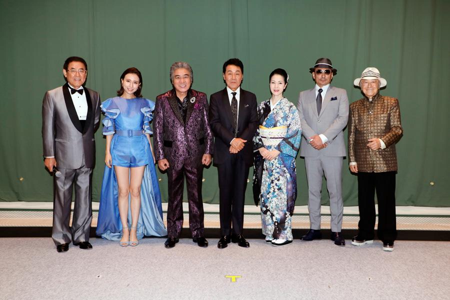 1番右はゲストの浜村淳、司会進行は野村啓司、福島暢啓(MBSアナウンサー)