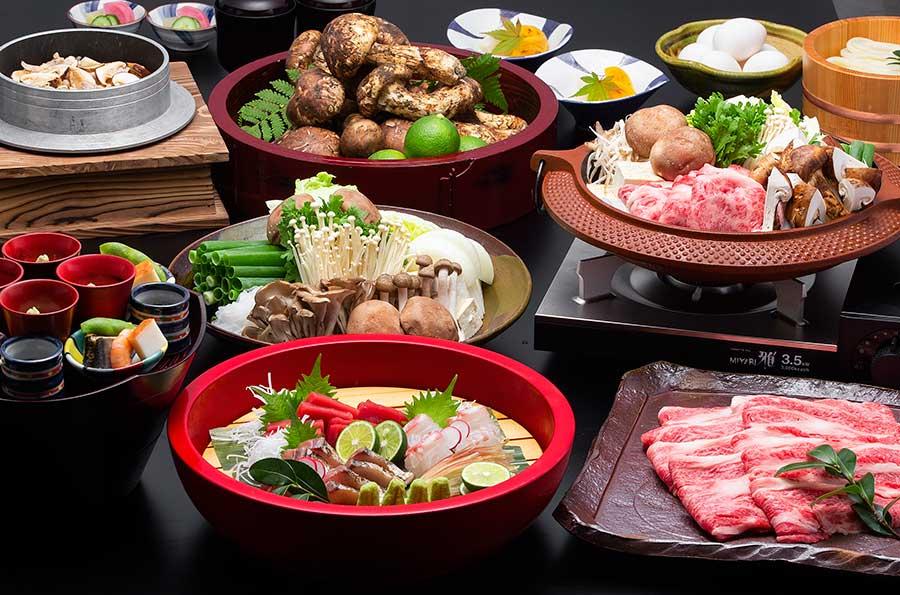 「松茸と黒毛和牛のすき焼き食べ放題クルーズ」のメニュー(イメージ)