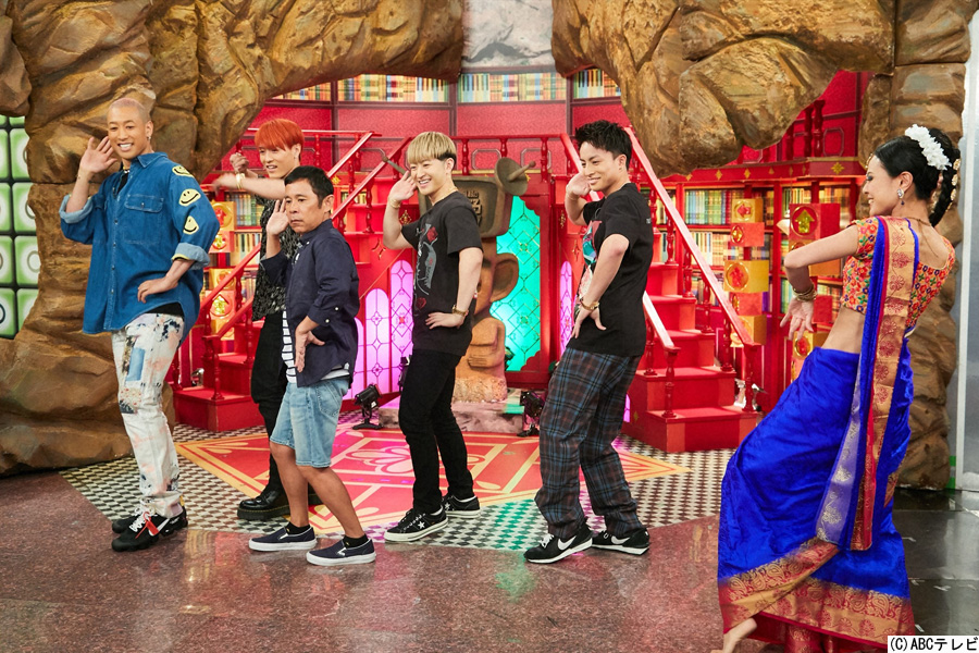 ボリウッドダンスに挑戦するGENERATIONSのメンバー