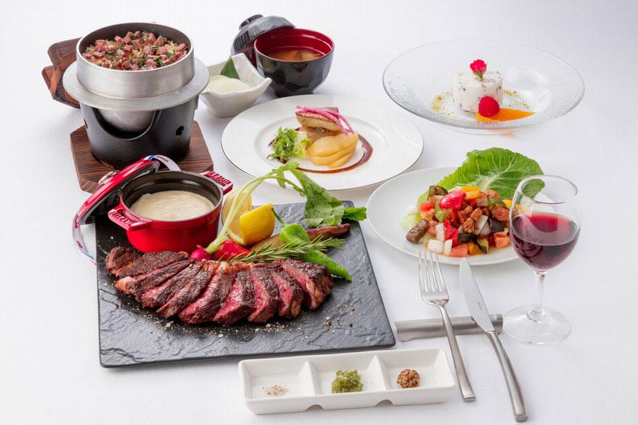 厚切りステーキのほか、サラダやフォアグラのソテー、牛ミスジの炊込みご飯、デザートがセットに(写真はイメージ)