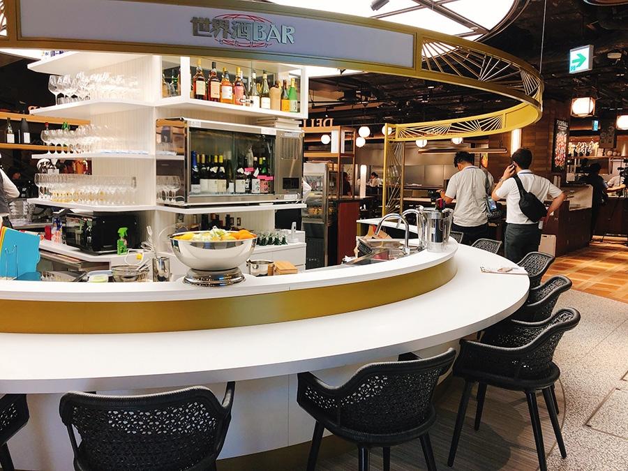 「世界酒BARセカサケ」では、日本酒、ワイン、焼酎のほか、ビールやカクテルも飲める
