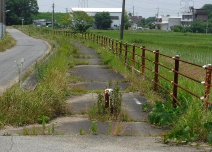 整備前の自転車道。久元市長が「廃墟のような道」と思ったのもうなずける(提供:神戸市)