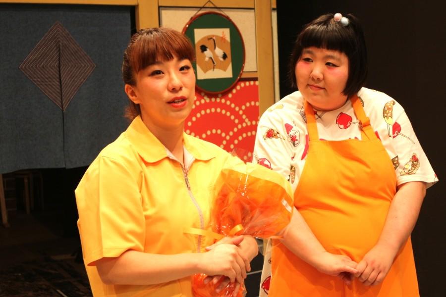 療養中はテレビやラジオをメインに活動していた森田(左)と座長の酒井藍