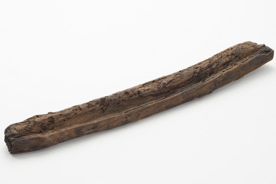 河内湖北岸で出土した、人や物資をのせて運ぶ運搬具の形木製品。弥生時代中期(紀元前1世紀) 旭区高殿7丁目所在遺跡 大阪市文化財協会保管