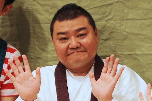 1991年に吉本新喜劇に入団し、2007年に座長に就任した川畑泰史