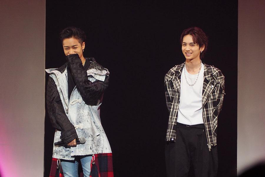 高城司を演じた吉野北人(右)は「(今回メインとなるチーム)鬼邪高校と鳳仙が対立して走り出す瞬間はすごく注目してほしいポイント。心が熱くなるようなシーンなのでぜひ観て欲しい」とアピール(28日・大阪市内)