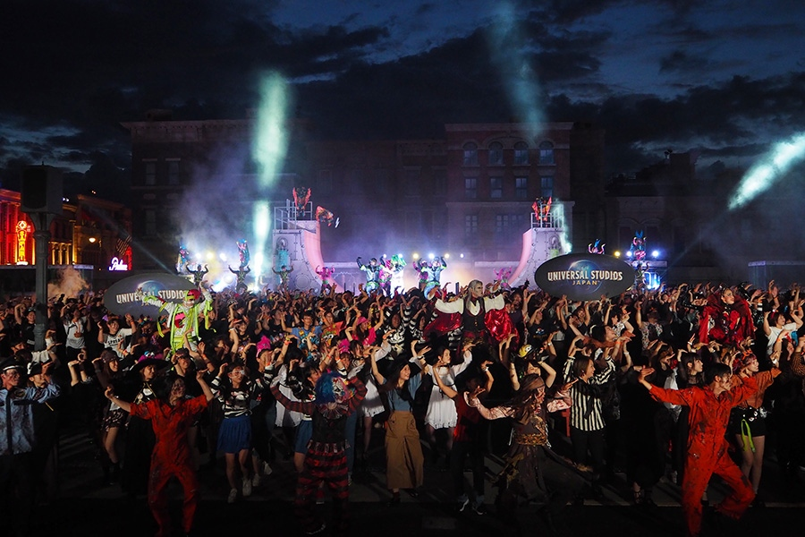一斉にキレッキレのダンスを踊るゾンビやゲストに思わず笑ってしまう『ゾンビ・デ・ダンス』(5日・大阪市内)