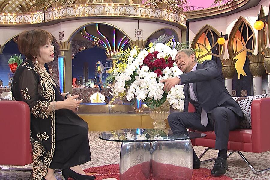 カンテレ『快傑えみちゃんねる』にゲスト出演した松本人志(右)、左はMCの上沼恵美子