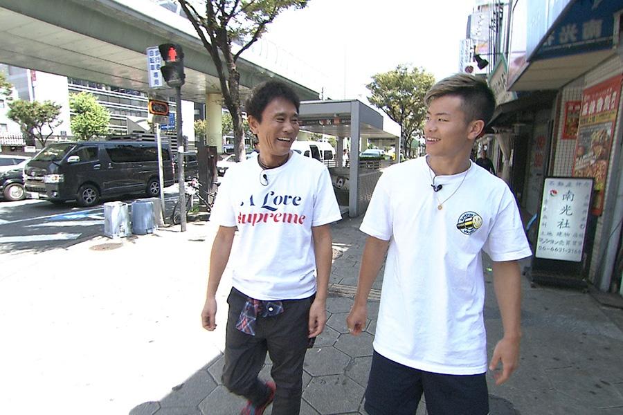 ロケの2週間後に試合を控える那須川天心(右)と浜田雅功 写真提供:MBS