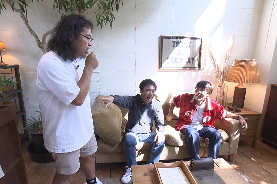 東京の芸能人にも多数ファンがいるという超高級家具店を訪問する(左から)中岡創一、浜田雅功、コカドケンタロウ(写真提供:MBS)