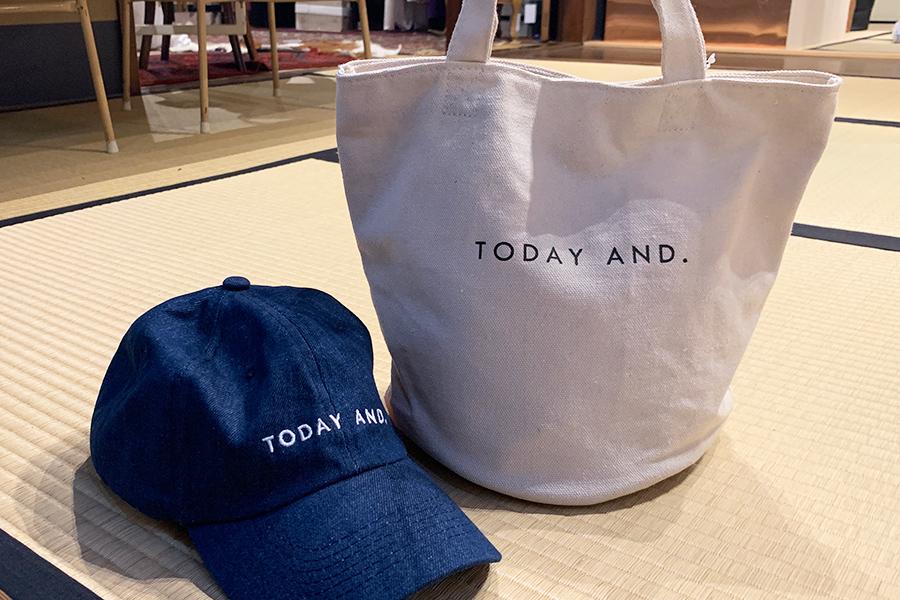 「ASOKO」の京都限定ラインも先行販売され、バッグやキャップなども