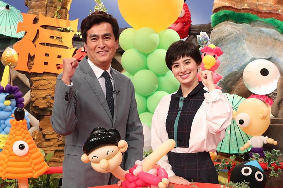 番組MCをつとめる石原良純(左)とホラン千秋