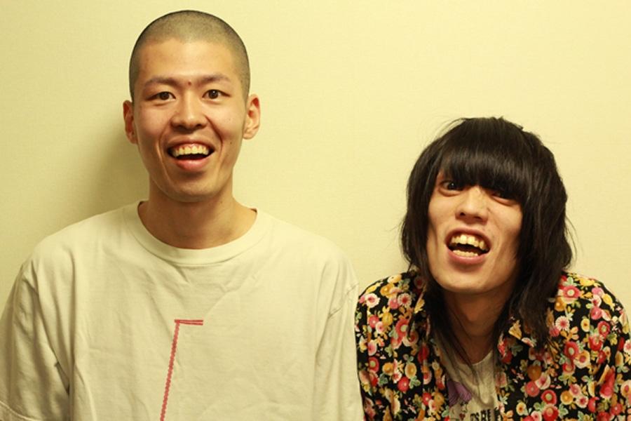 金属バット(左から小林、友保)(c)YOSHIMOTO KOGYO CO.,LTD.