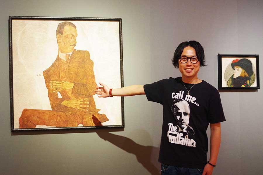 28歳で亡くなったエゴン・シーレの『美術批評家アルトゥール・レスラーの肖像』。若くして、作風が仕上がってる!