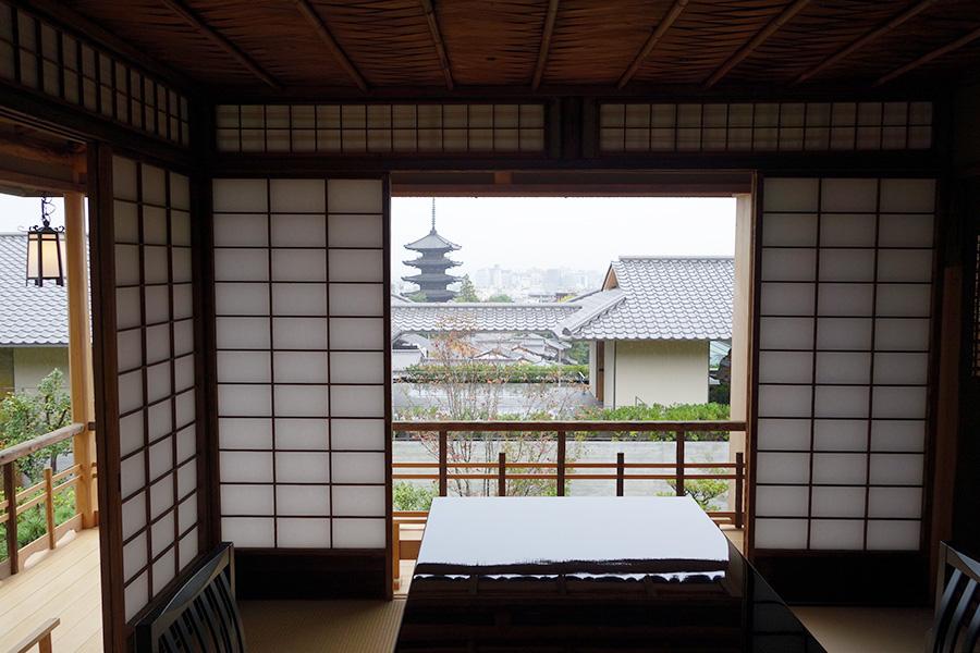 これまで非公開だった茶室「送陽亭」。八坂の塔と夕陽が美しく見える場所に移築されている