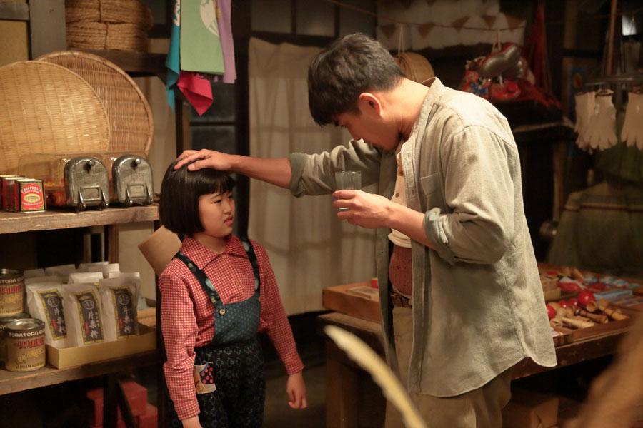 喜美子(川島夕空)に、「女に学問は必要ない、勉強できひんでもかまへん」と言ってしまう父・常治(北村一輝)