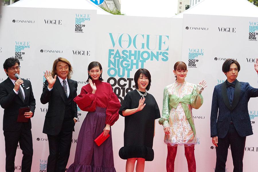 左から安東弘樹、北澤豪、桐谷美玲、VOGUE JAPAN渡辺美津子編集長、emma、桐山漣