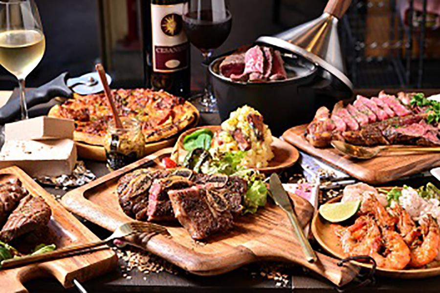 大阪・梅田エリアにも出店するワインと肉のお店「肉GARAGE」も登場