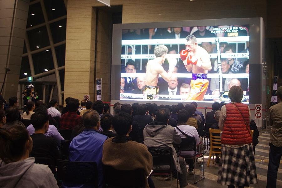 「NHK大阪放送局」でおこなわれたBS8K映像の受信公開の様子(7日・大阪市内)