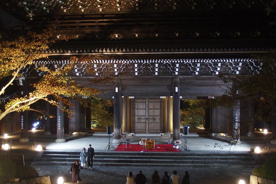 『おてつぎフェス』の「坊主・オン・ステージ」が開催される「三門」