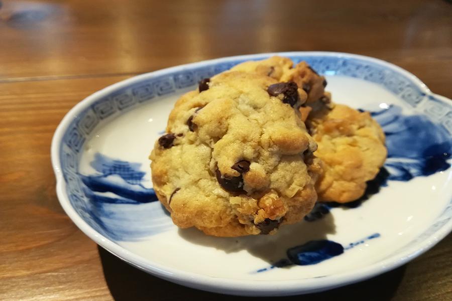 本日のカントリースタイルクッキー300円。あかねさんが焼くしっとりさっくりのホームメイドクッキーはアメリカのお母さんの味