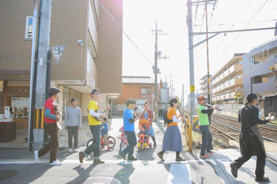 『一乗寺フェス』でのストリートパフォーマンスの様子