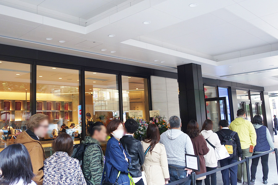 オープン日は朝から行列ができた「JIATE×永福茶堂」。18日は先着100名にタピオカミルクティーの廻香が無料