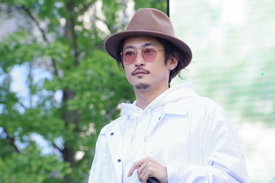 「御堂筋ランウェイ」に登場した大阪在住の俳優・窪塚洋介(4日・大阪市内)