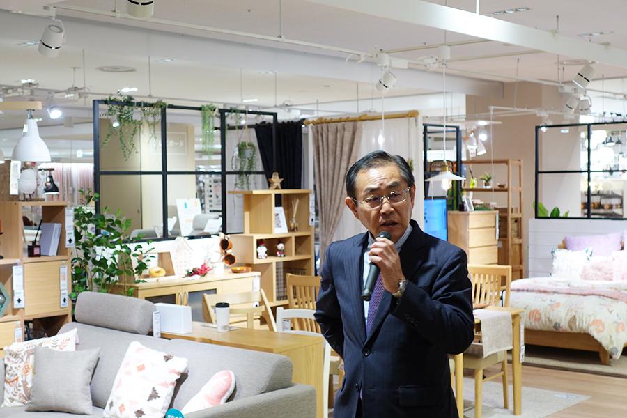 「ニトリホールディングス」の須藤文弘取締役副社長は、「引っ越しのときは家具と家電が必要。この場はウィンウィンの関係」と語る