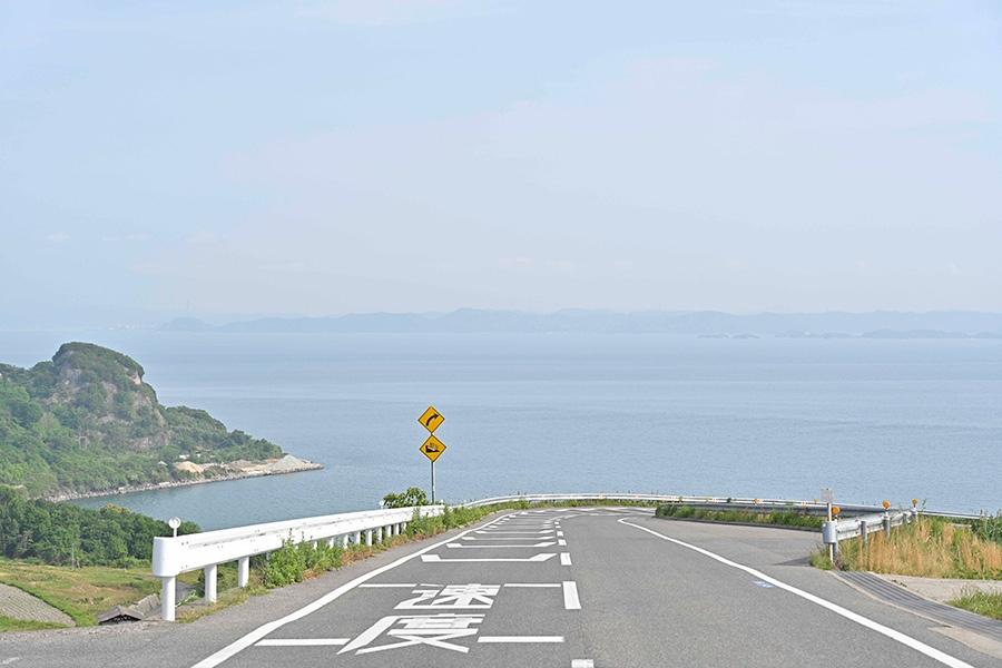 豊島に来たら一度は見たい絶景。とても気持ちいいです! ただし、交通安全には十分に注意してください