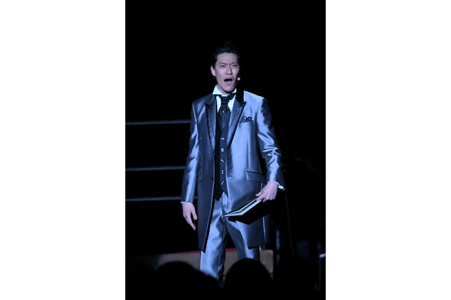 「よろこびのうた」を朗読した霜降り明星粗品(1日・大阪城ホール)写真提供:MBS