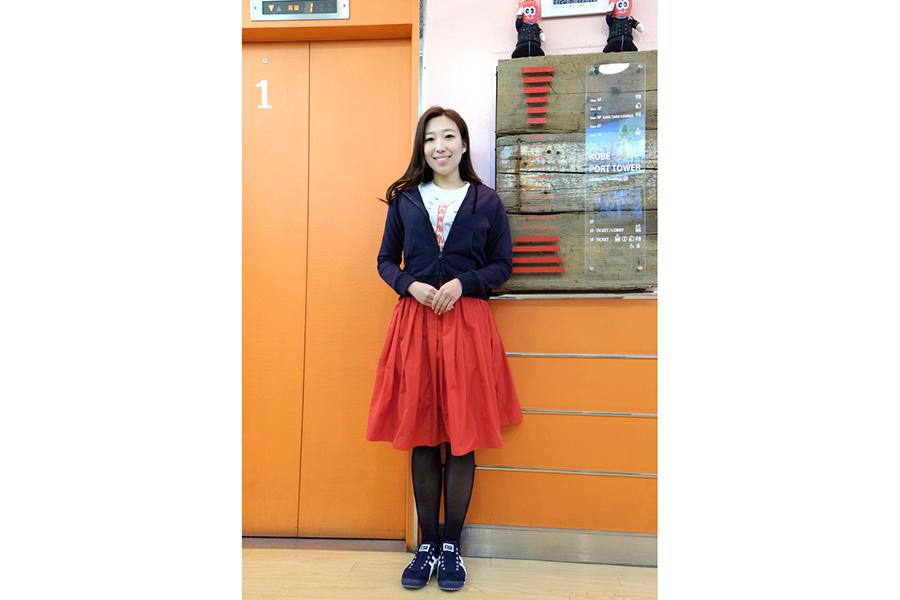 一新されたエレベーターガールの制服