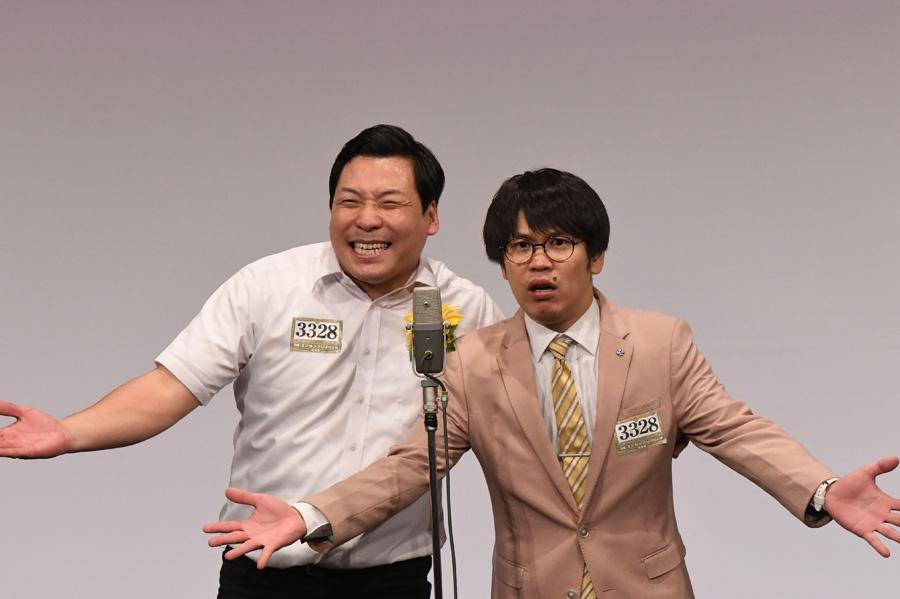 インディアンス。左から田渕、きむ(準決勝の様子)(C)M-1グランプリ事務局