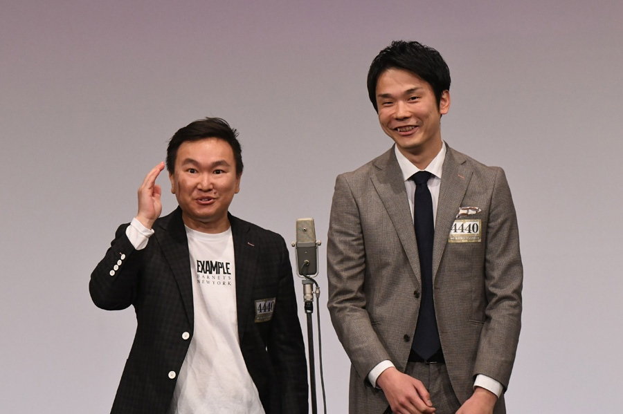 かまいたち。左から山内、濱家(準決勝の様子)(C)M-1グランプリ事務局