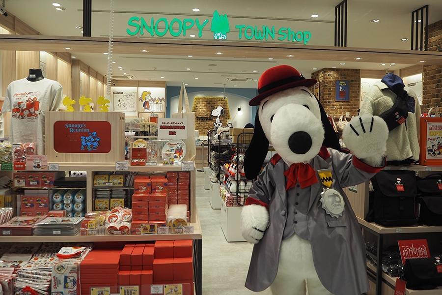 スヌーピーとPEANUTSの仲間たちが京都にやってきた!がテーマの「スヌーピータウンショップ」
