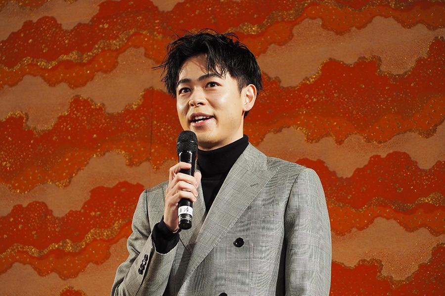 映画『カツベン!』の公開記念イベントに登場した成田凌(7日・東映太秦映画村)