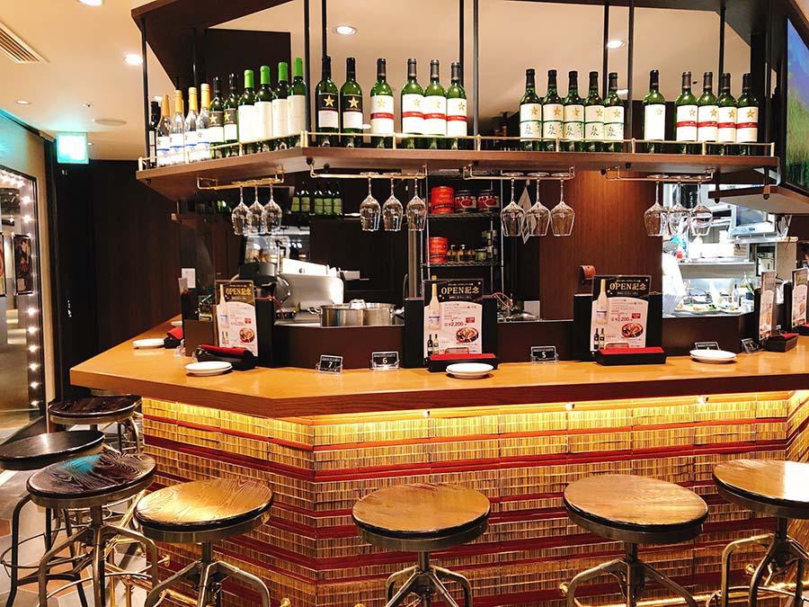 「グラン ポレール ワインバー オオサカ」では、北海道・長野・山梨・岡山産のワインが楽しめる