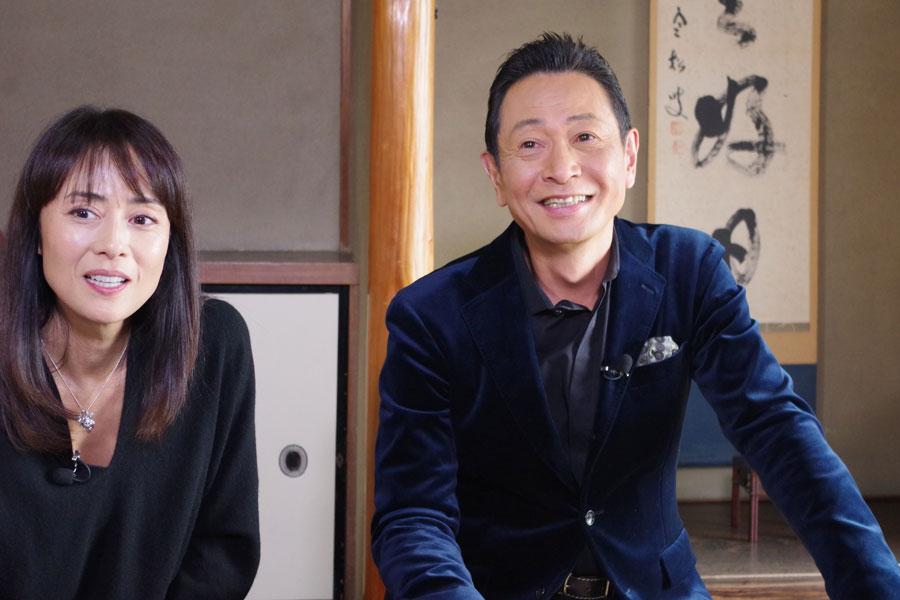『ママはアイドル!』のキャストでロケをしたいと話した三田村邦彦と後藤久美子(12月23日・京都市内)