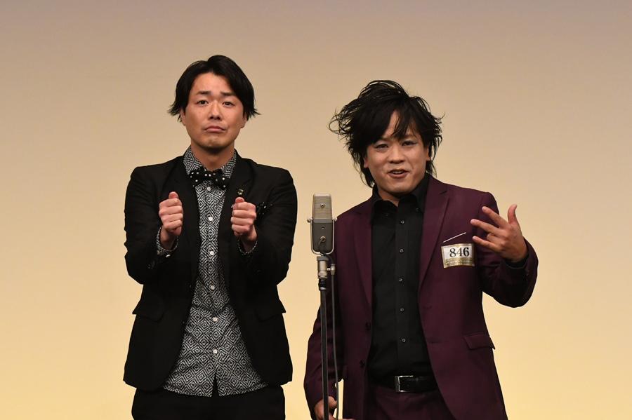 ぺこぱ。左からシュウペイ、松陰寺太勇(準決勝の様子)(C)M-1グランプリ事務局