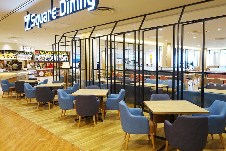 2階のフードコート、地元企業としては洋食「らんちょすキッチン」と肉料理店「ステーキ食堂 正義」が出店
