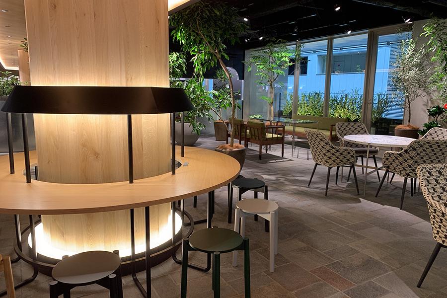 3階は「京都高島屋」とも通路で連結しているので、3階の「RAU CAFE」もカフェスポットとして活用されそうだ
